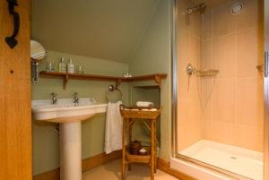 En suite bathroom in Garret suite