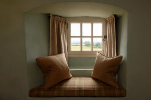 Window seat in Sydserff room